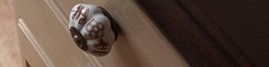 07022014_antique-shabby-chic-dresser-mirror-vintage-chest-drawers_07_banner