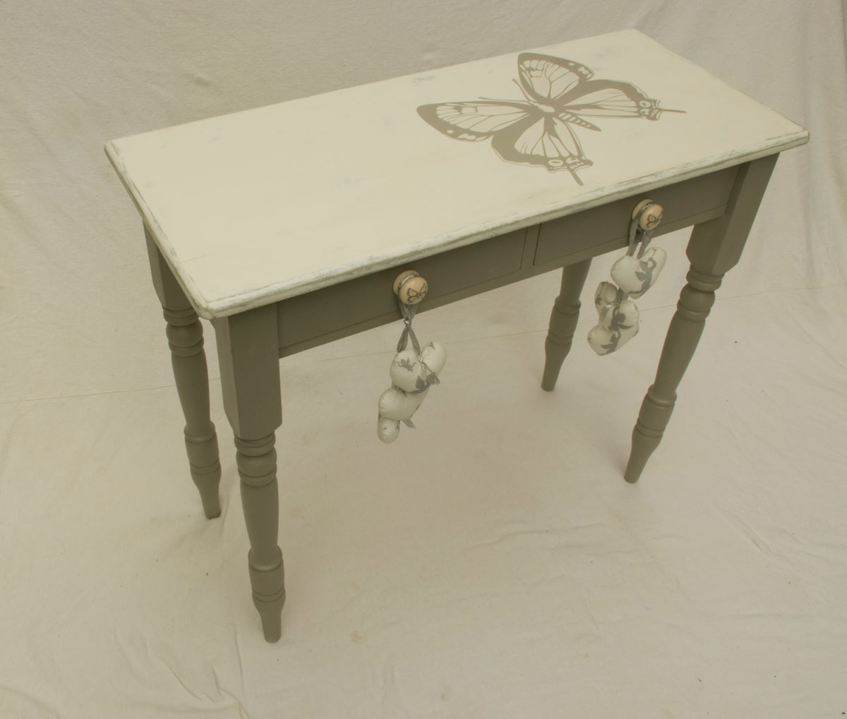 top 28 console table shabby chic grace shabby chic. Black Bedroom Furniture Sets. Home Design Ideas