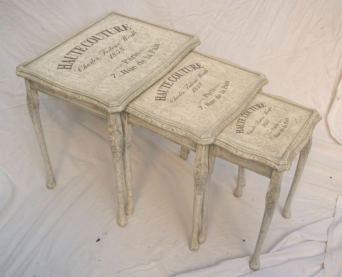 wandregale shabby chic vintage amped for. Black Bedroom Furniture Sets. Home Design Ideas