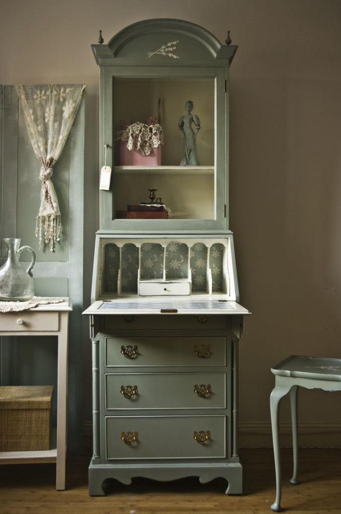 vintage shabby chic bureau 02 touch the wood. Black Bedroom Furniture Sets. Home Design Ideas
