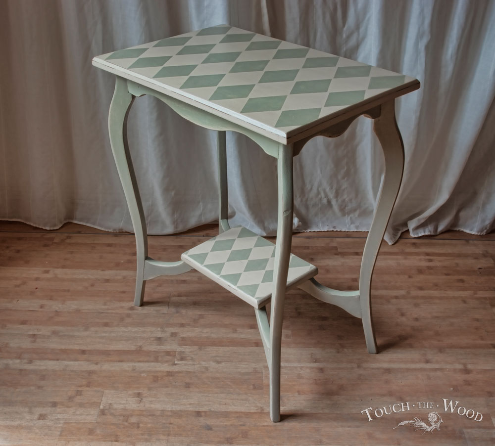 20140306_harlequin-shabby-chic-side-table05_01