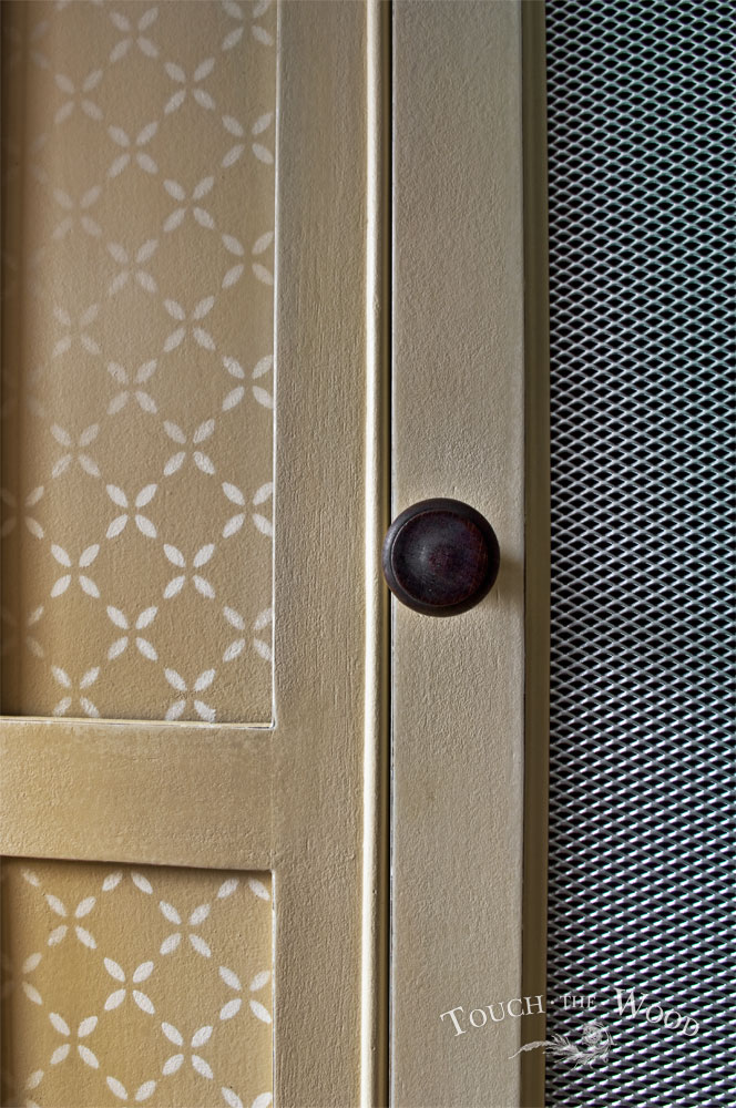 Vintage Shabby Chic Wardrobe With Mesh No 01 Touch