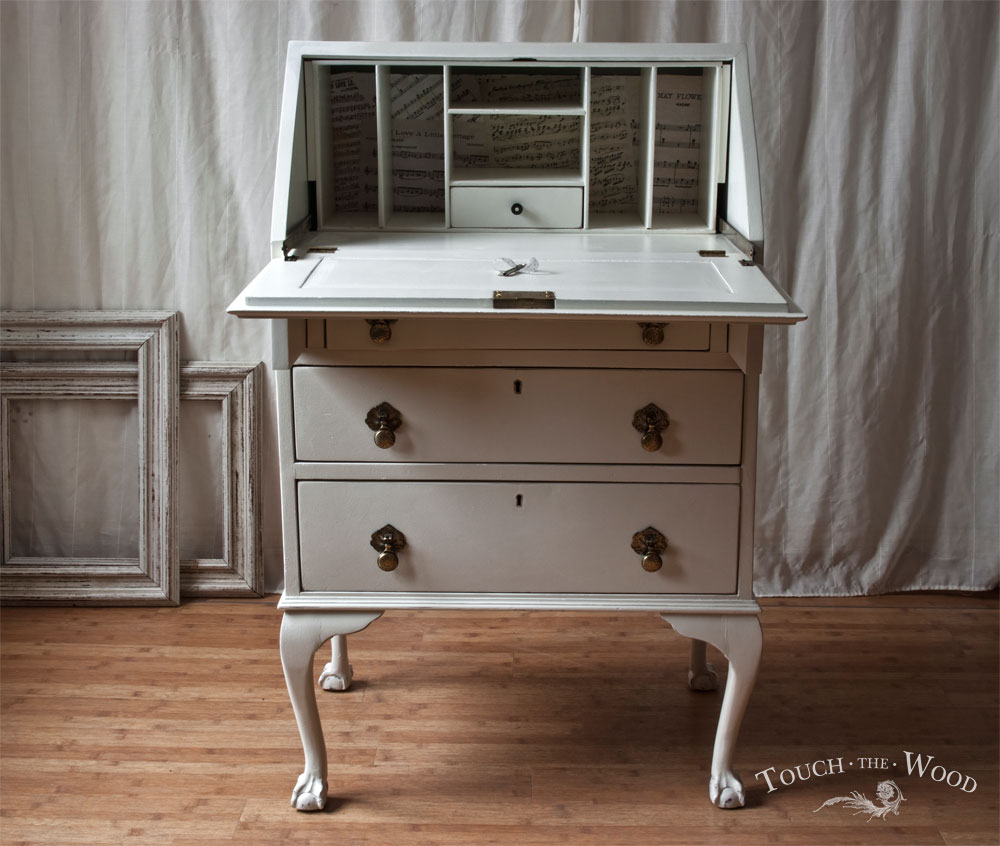 vintage shabby chic bureau with print no 22 touch the wood. Black Bedroom Furniture Sets. Home Design Ideas
