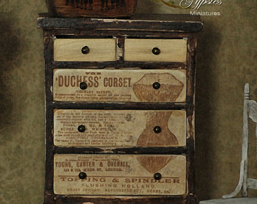 20141111_shabby-chic-restoration_drawer-chest_07_trash-to-posh_05