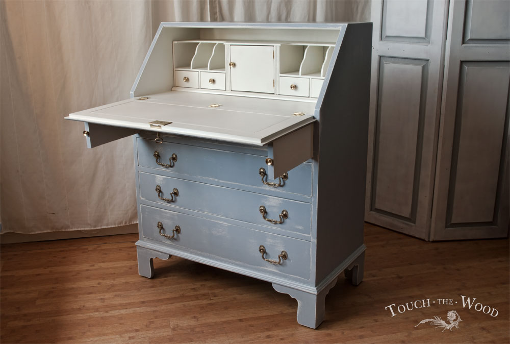 Shabby Chic Bureau No 26 Paris Blue With Butterfly