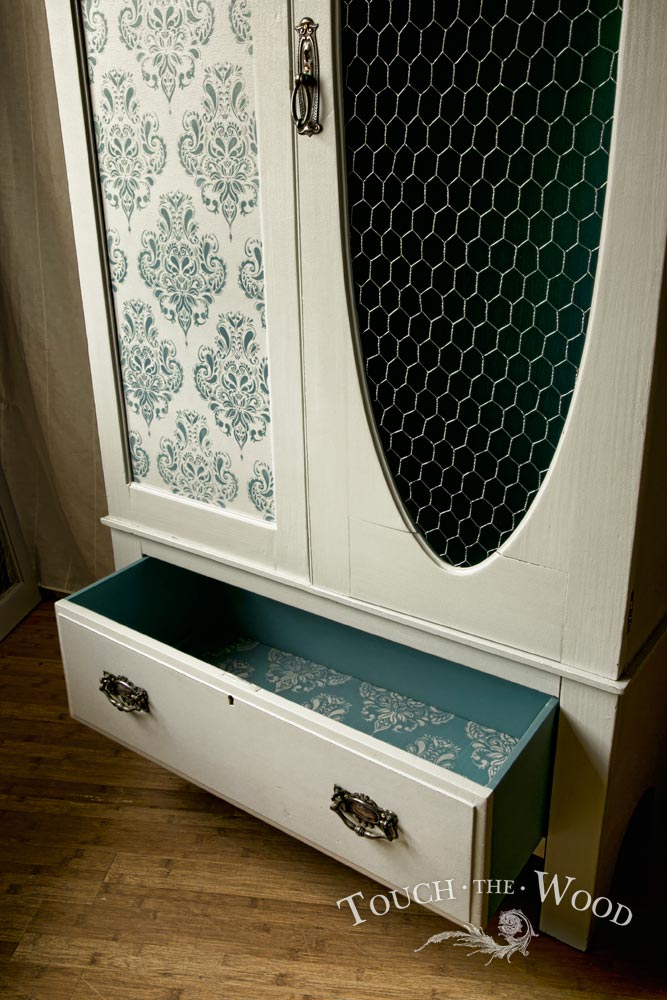 vintage shabby chic wardrobe with wire mesh no 02. Black Bedroom Furniture Sets. Home Design Ideas