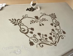Shabby Chic Stencil Single Floral Decorative Heart