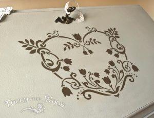 Shabby Chic Stencil Single Floral Decorative Heart