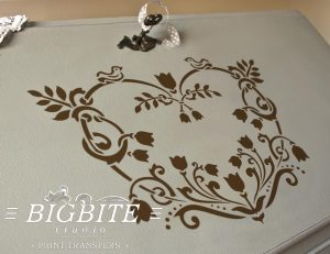 floral heart decorative stencil